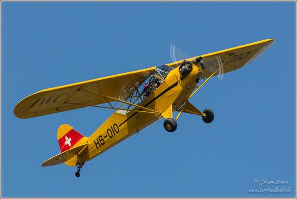 Piper Cup J3C-65/L-4, vor 70 Jahren gebaut, und immer noch flott unterwegs.