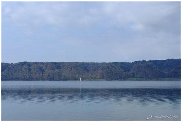 ... und nach links immer wieder schöne Ausblicke auf den Überlinger See.