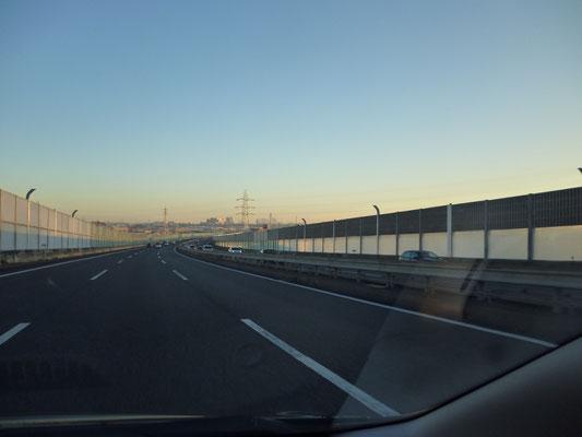 都県境あたりで初日の出でした。