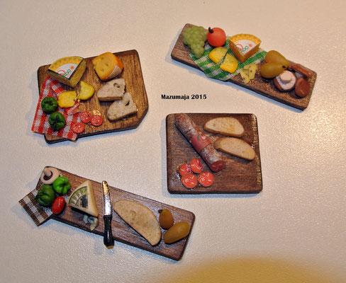 Taglieri con salumi-formaggi e pane 1:12