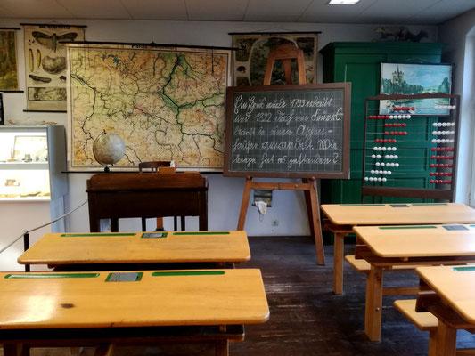 Historisches Klassenzimmer einer Dorfschule im Museum Reinickendorf