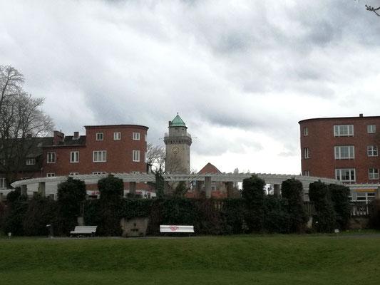 Zeltinger Platz mit Kasinoturm