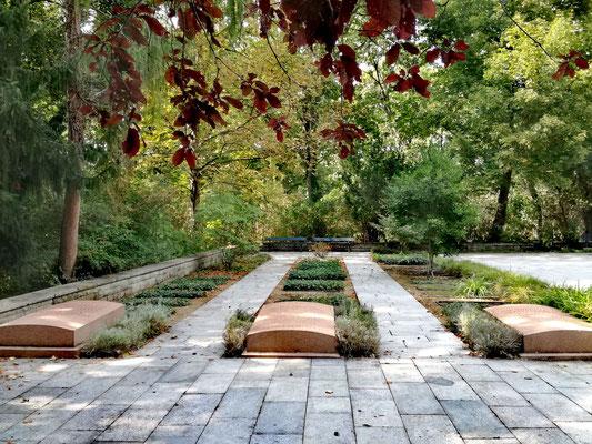 Friedhof der Märzgefallenen - Gräber der 1918 in der Novemberrevolution Gefallenen