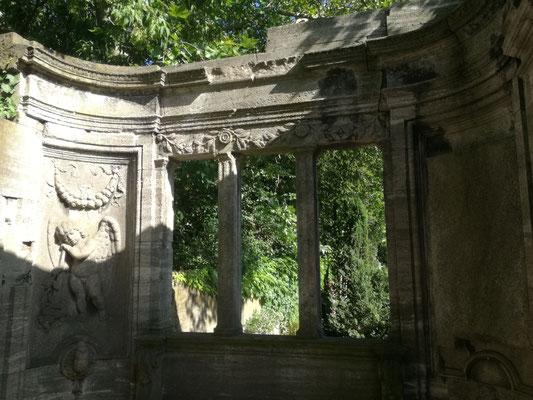 Grabmal auf dem Friedhof Grunewald