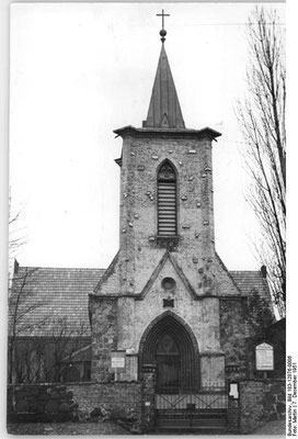 Dorfkirche Weißensee - Bundesarchiv, Bild 183-12876-0006 / Martin / CC-BY-SA 3.0, CC BY-SA 3.0 DE - @ Wikimedia Commons