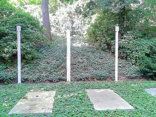 Grabmal Georg und Benjamine Kolbe