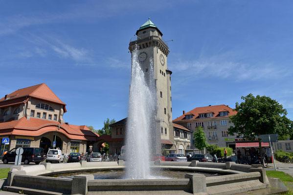 Kasinorurm und Bahnhof Frohnau - @Alamy