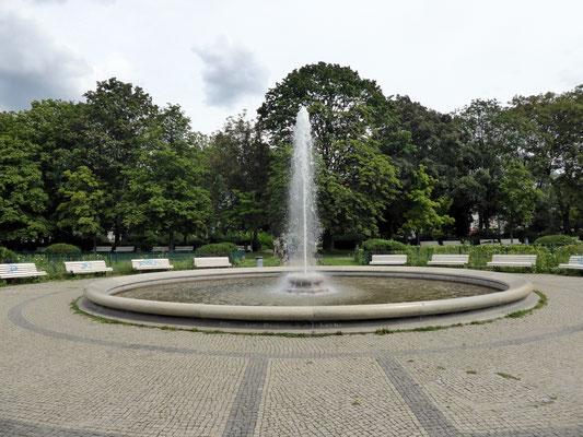 Gesundbrunnenplatz - @Fridolin freudenfett - CC BY-SA 4.0 - WikiCommons