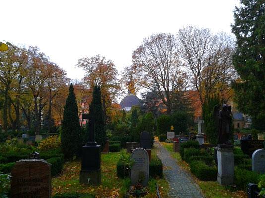Zwölf-Apostel-Friedhof - Berlin Schöneberg - Rote Insel