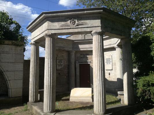 Erbbegräbnis Baunbach und Schuchhardt auf dem Friedhof Grunewald