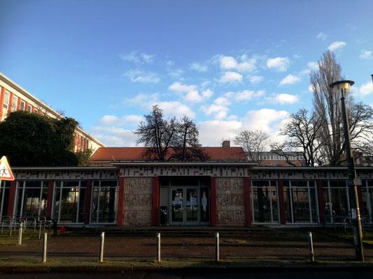 Eingang Kunsthochschule Berlin Weißensee