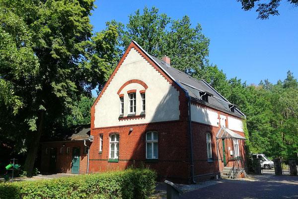 Ehemaliges Wohnhaus Friedhofsverwalter - Waldfriedhof Oberschöneweide
