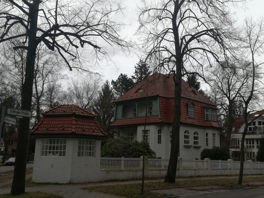 Villa Zeltinger Strasse 9