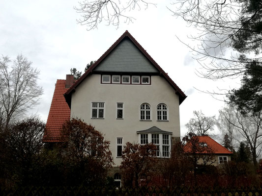 Villa Edelhofdamm 49