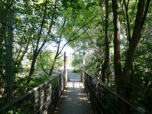 Fußgängerbrücke am ehemaligen Kontrollpunkt Dreilinden