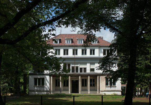 Ehemalige Residenz des Hohen Kommissars der Französischen Republik für Deutschland -  @Sekamor -CC BY-SA 3.0 - WikiCommons