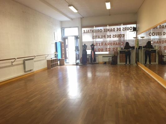 Salle Chandra Reba - rue Marcel Tribut, proche à la gare de Tours