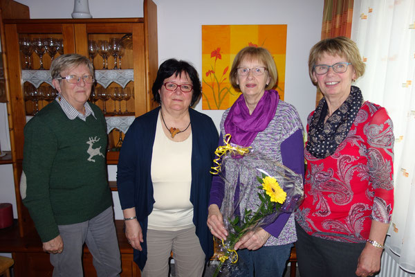 Überbringen der Glückwünsche an die langjährige Pfarrleiterin zum 70. Geburtstag