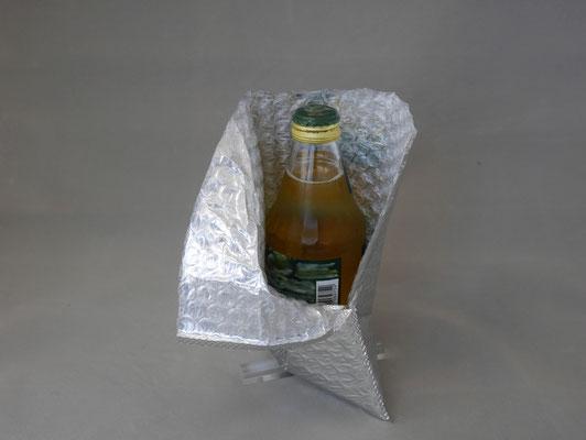 アルミ蒸着ラミの製袋品は、緩衝性能とともに保冷性能を備えます。