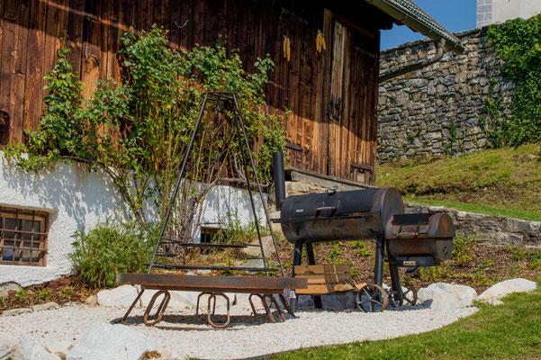 Bauerngarten Cottage Garden mit Smoker und Zierkies Jurakalk