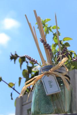 Gartengestaltung Lavendel Holzbox Gartenkräuter