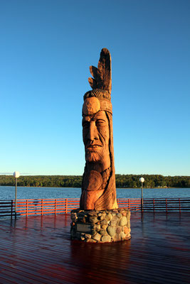 Nee-Gaw-Nee-Gaw-Bow (Leading Man) Sculpture