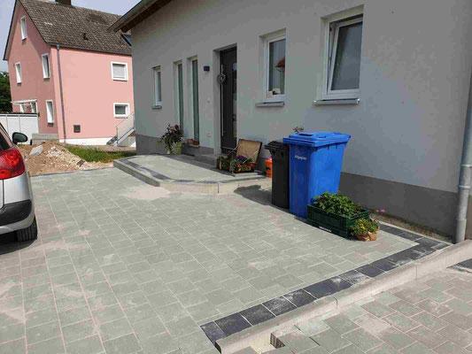 Pflasterarbeiten großer Hofbereich - Ebenried