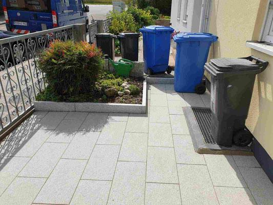 Komplette Neugestaltung des Vorplatzes und Zaunbau