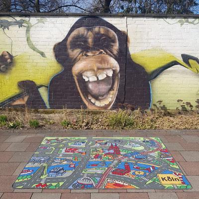 Kölner Zoo Graffiti Affe - Spielteppich Köln - deinspielteppich.de