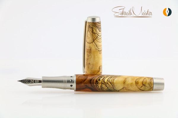 Handgemachter Kolbenfüller aus Apfelholz, stabilisiert