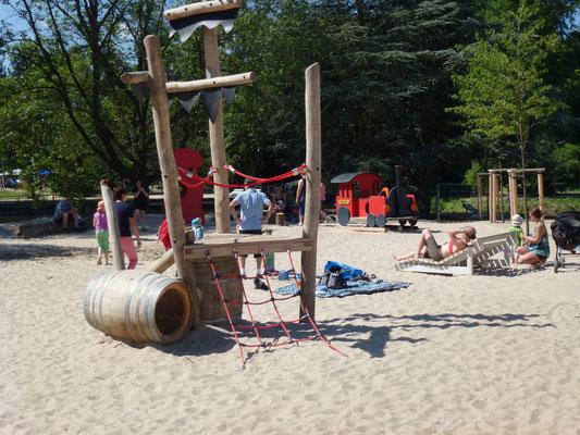 Piratenspielplatz nahe der Ostsee