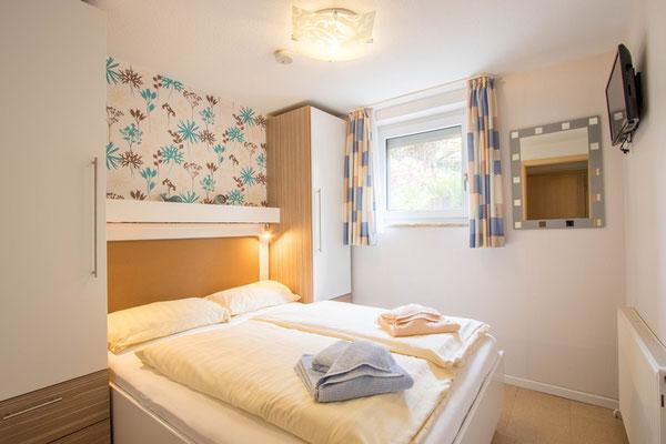 Französisches Bett 1,40 x 1,90 im Schlafzimmer