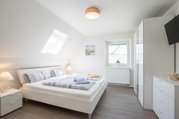 Doppelbett 1,80 x 2,00, Federkernmatratzen
