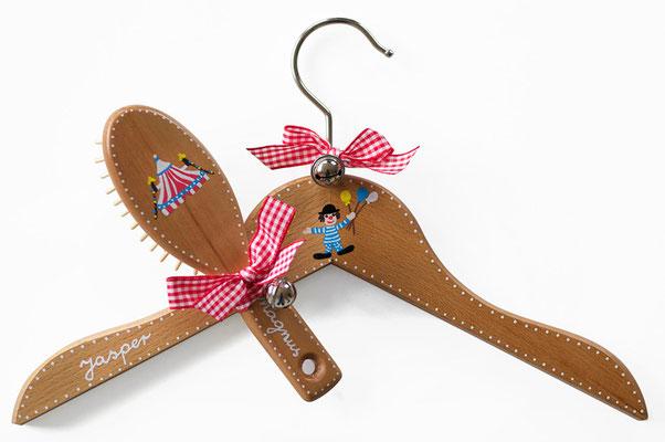 Kinderkleiderbügel handbemalt, Kinderbürste handbemalt - Zirkus