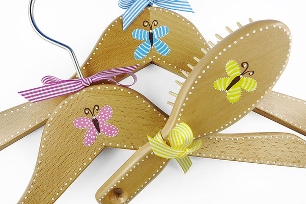 Kinderkleiderbügel handbemalt - Schmetterlinge