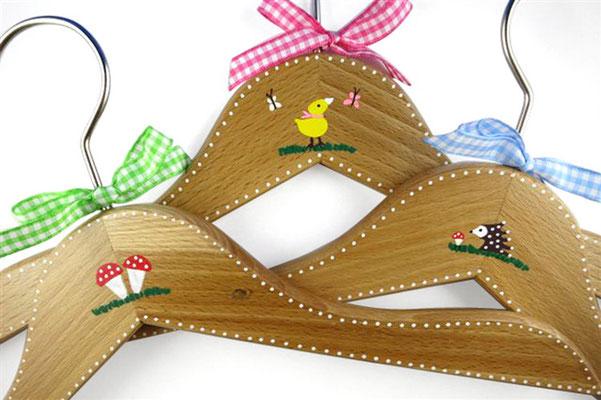 Kinderkleiderbügel handbemalt - Wald