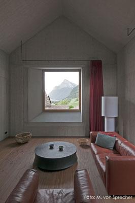 Wohnzimmer in Sichtbeton, Fläsch