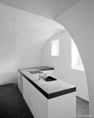Dunkle Betonküche, Maienfeld