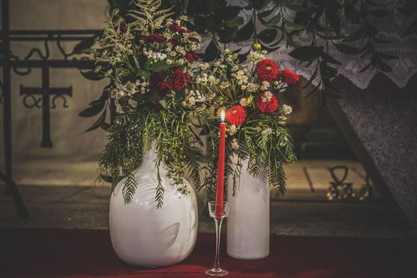 bodas miraMeh-altar-iglesia-detalles-T&J