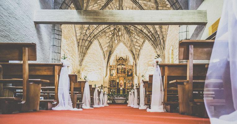 bodas miraMeh-iglesia-pasillo-T&J