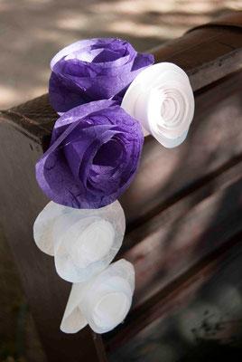 boda-bea&miguel-rincón-abanicos-detalle-flores-papel