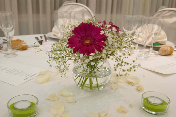 boda cris&jorge-centro-gerberas-paniculata-velas