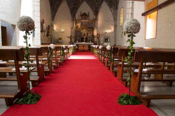 boda-aurora&pablo-iglesia-hortensias-hiedra