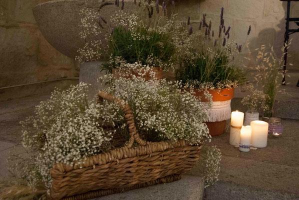 boda-bea&miguel-altar-panicualata-lavanda-velas