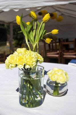 comunión-María-rincón-comida-detalle-flores