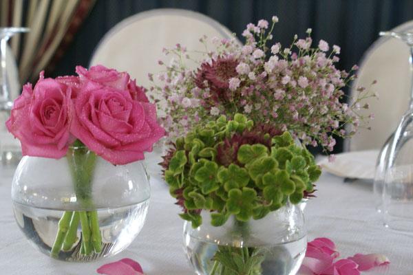 boda-gema&alberto-centro-paniculata-rosa-pétalos-rosas-hortensia-verde