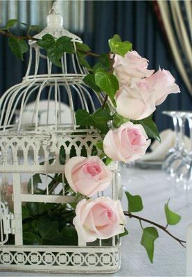 boda-cristina&Carlos-centro-jaula-rosas