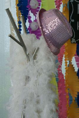 boda-gema&alberto-rincón-photobooh-sombreros-boas