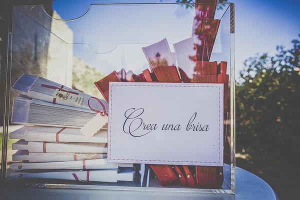 bodas miraMeh-detalles-abanicos-rincón-T&J