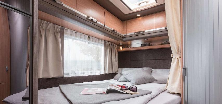 Doppelbett hinten